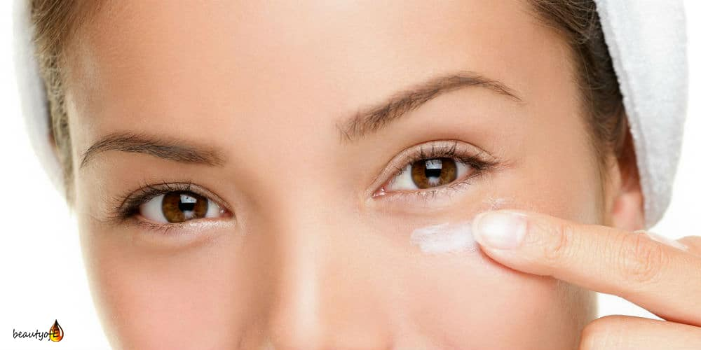 Vitamin E Oil around the Eye care